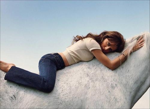 Brittany Murphy on horseback